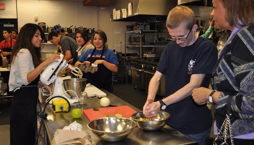 Foundation leaders inspired, impressed by Glendale Union's equity efforts CulinaryArtsClass