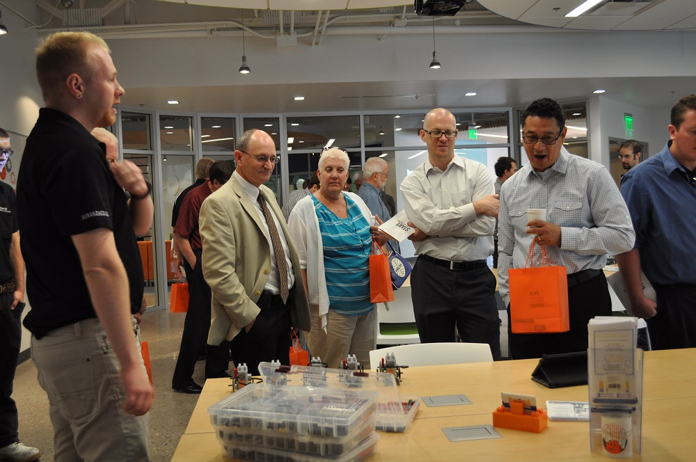 First-of-its-kind learning, working space brings students, entrepreneurs together STEMLabInside