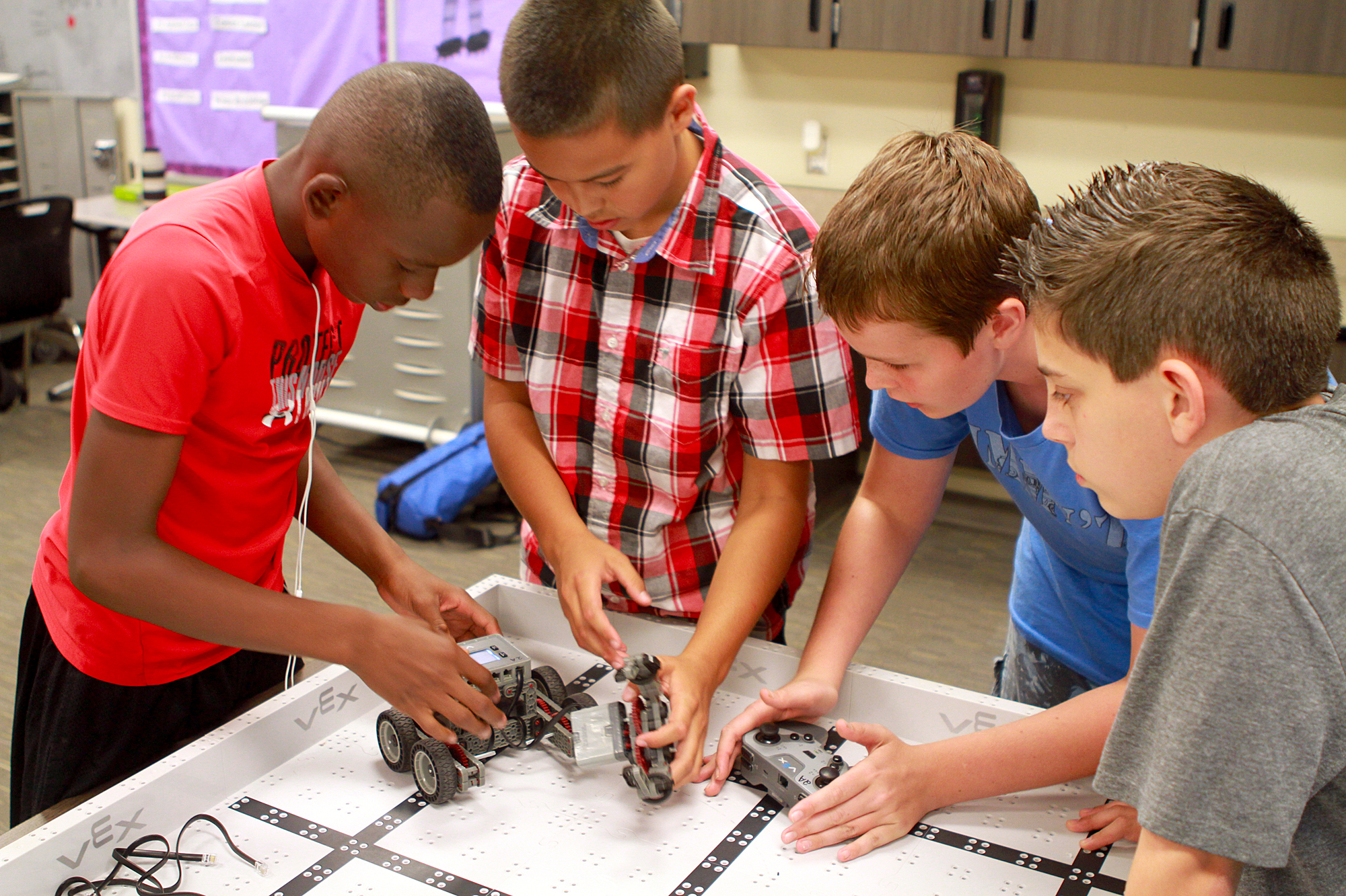 Cooley Middle School robotics hit homerun with Diamondbacks Cooley-robotics