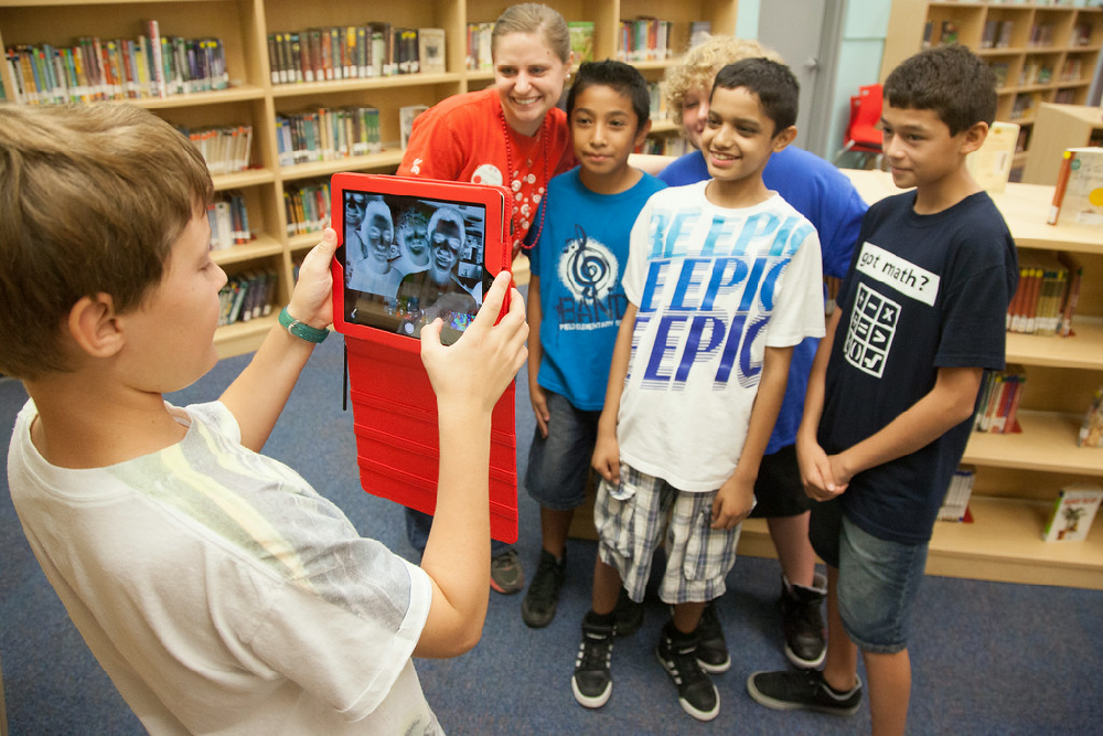 Field Elementary unveils newly renovated library MesaPublicLibrariesRenovation