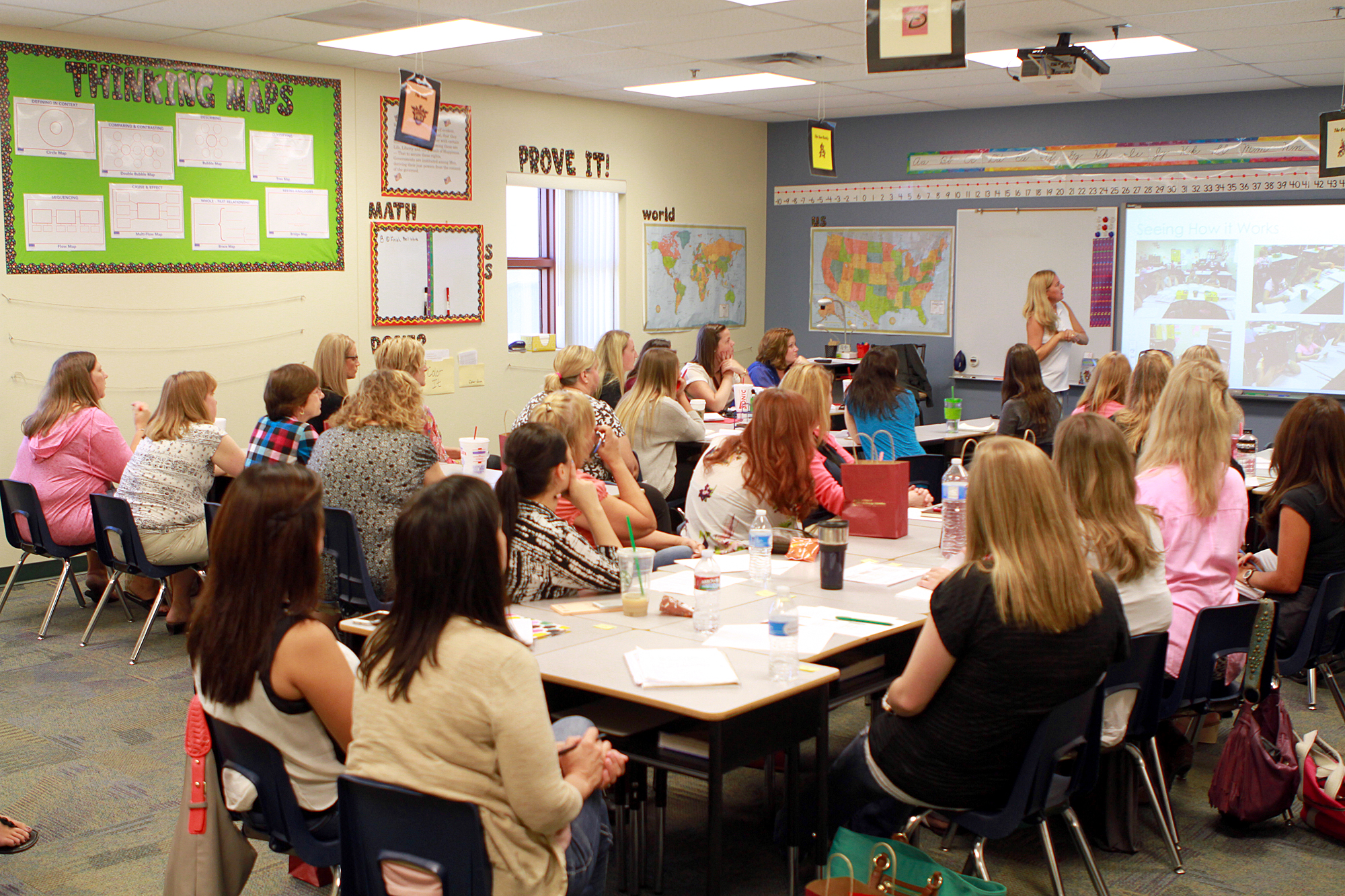 Higley teachers offer lessons to one another CafePD4