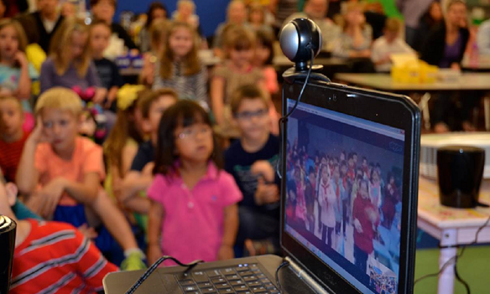 Horseshoe Trails Elementary School In Cave Creek, Ariz. And Chengdu Jiaxiang Foreign Languages School  In Sichuan Province, China Launched Their New Sister School Relationship Through A Skype Night.