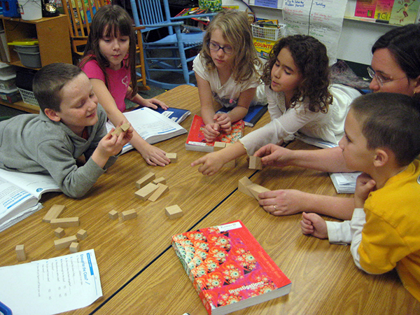 Groups multiplying efforts to help students, parents with new math standards MathBlocks1000