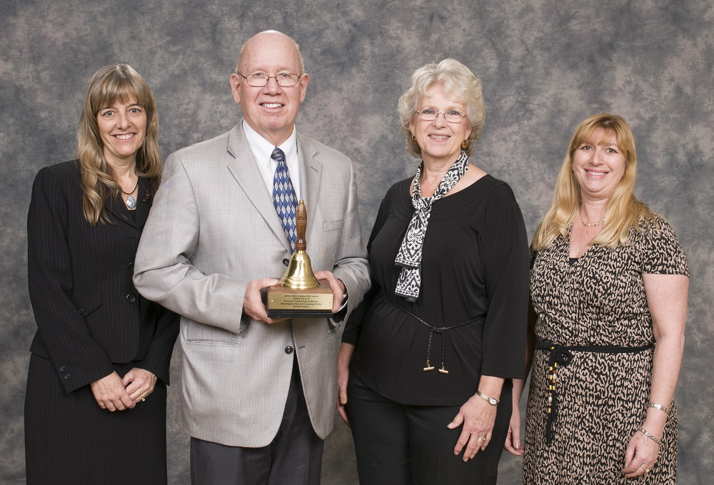 Achieving faster, engaged better: More Arizona schools use blended learning WashingtonTraditionalSchoolGoldenBellAward2014