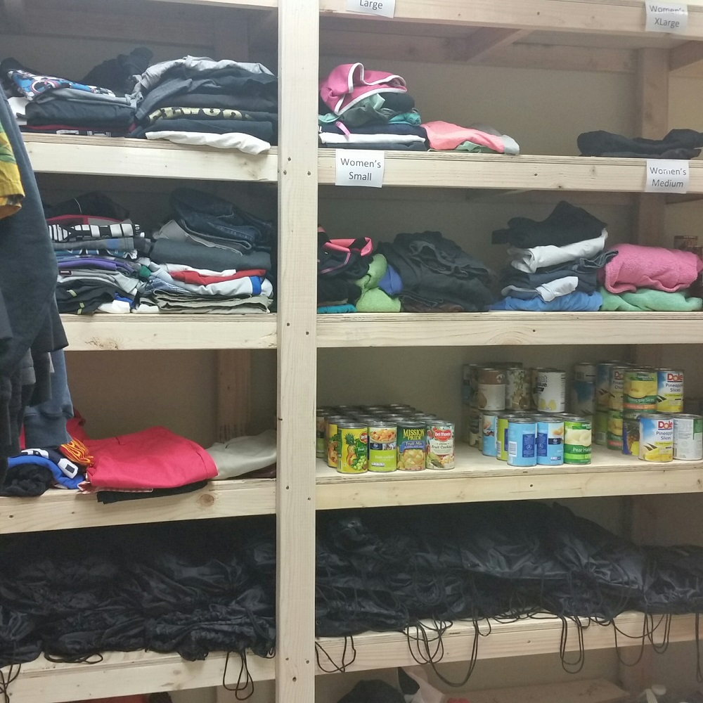 Centennial High opens Coyote Closet for community Coyote-ClosetClothes