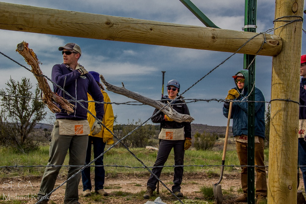 Flagstaff students take part in Southwest Experimental Garden Array project Flagstaff-Fencing-2