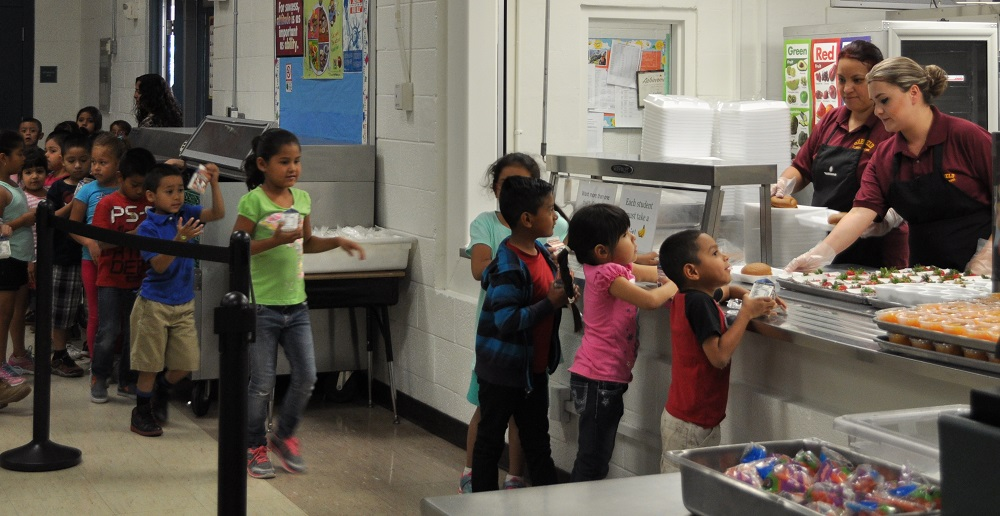 Challenge aims to eliminate kids' summer hunger GarfieldStudents-in-Lunch-Line