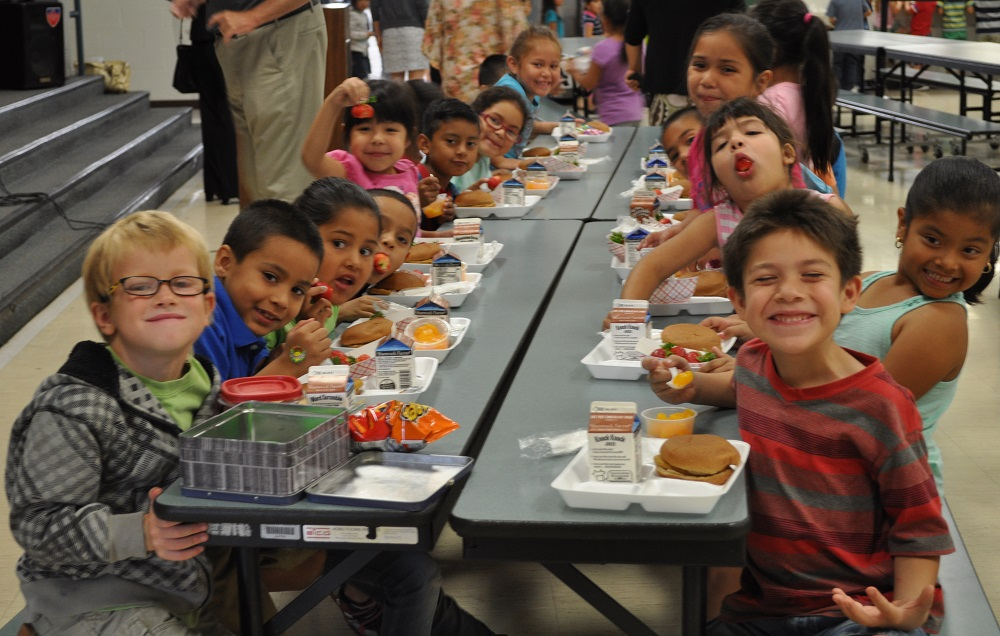 Challenge aims to eliminate kids' summer hunger GarfieldStudentsAtLunch1