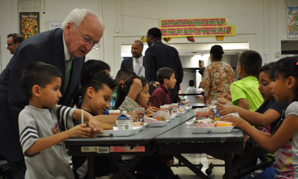 Challenge aims to eliminate kids' summer hunger KevinConcannonAndStudents2