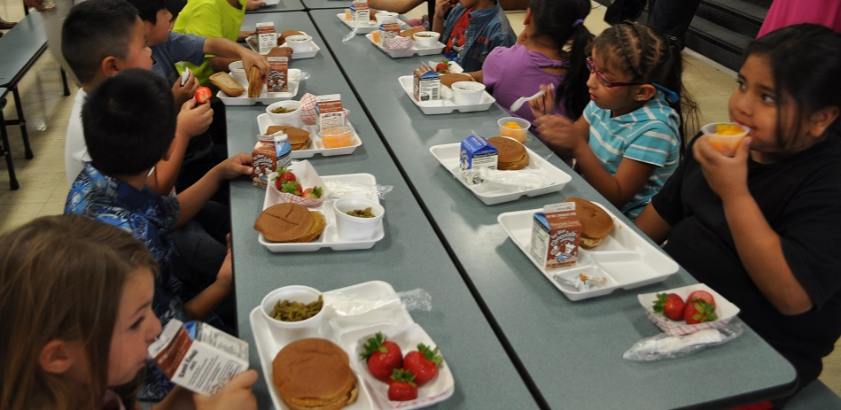 Challenge aims to eliminate kids' summer hunger StudentsEating3