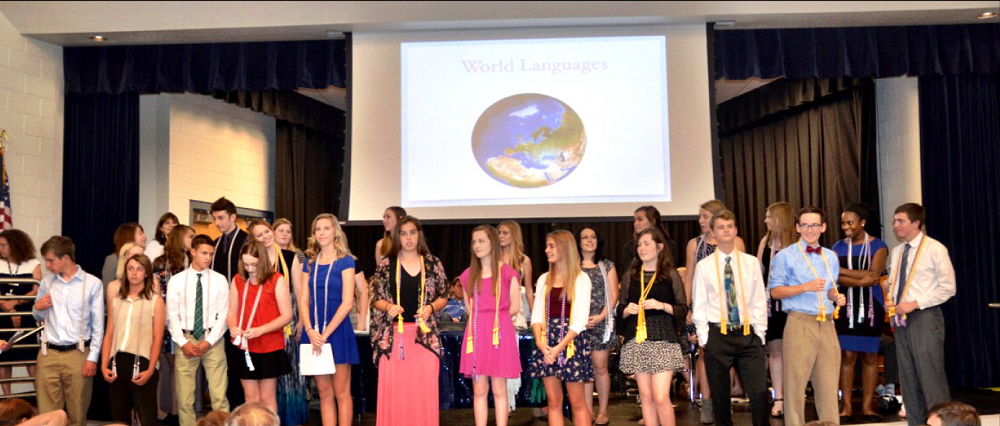 Cave Creek graduates receive seal of biliteracy for Spanish, French and Chinese BiliteracyCohort1000