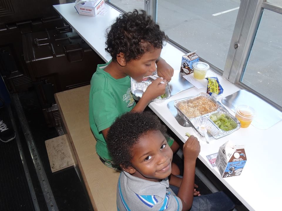 Roosevelt Schools answer mayor's summer meals challenge with mobile solution SummerMealsFortKids