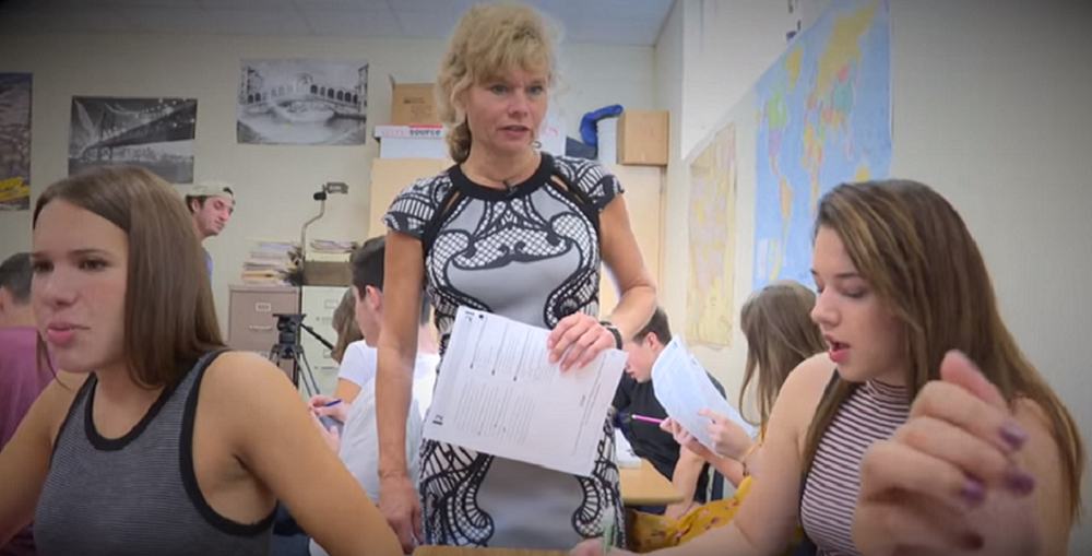 Arizona Educational Foundation's 2016 Arizona Teacher Of The Year Christine Marsh Working With Students In Her English Classes At Chaparral High School In Scottsdale Unified School District. Photo Courtesy Arizona Educational Foundation