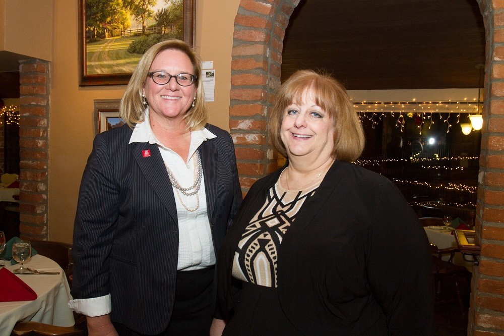 Tucson teachers honored with Excellence in Economics Education Award Award-recipients-Jean-McKnight-Guymon-and-Gale-Mitchell-photo-credit-Tom-Veneklasen