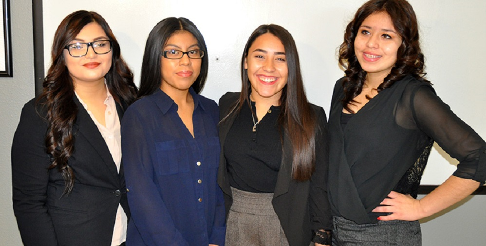 Four Camelback High School Marketing Students Created An App That Gives People An Easier Way To Shop. They Are From Left To Right: Olivia Higuera; Alejandra Alvarez; Sila Fraye And Maria Molina Photo Courtesy Of Phoenix Union High School District