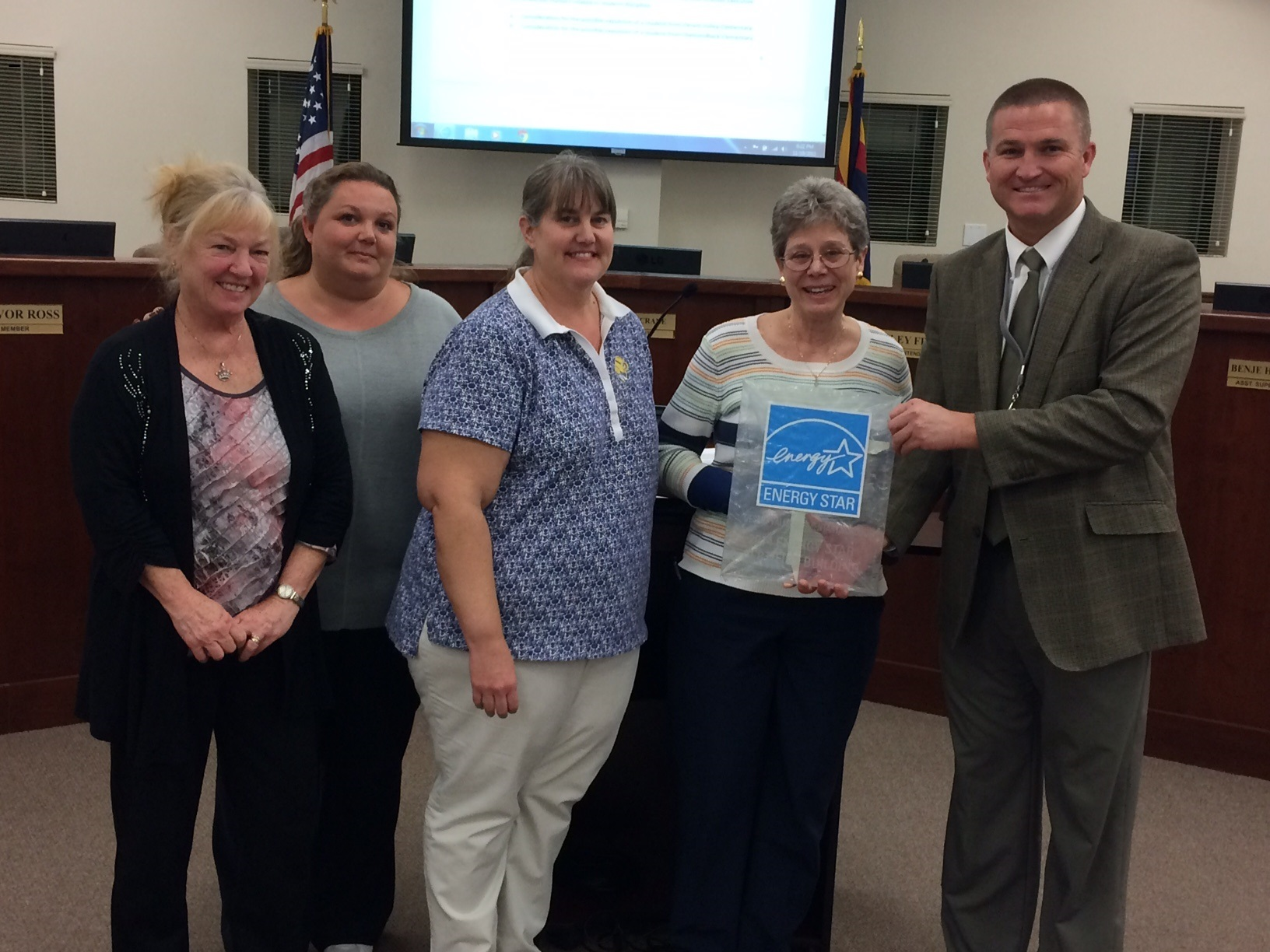 Desert Valley Elementary wins award for energy conservation, education Desert-Valley-Energy-Star-2-16Original