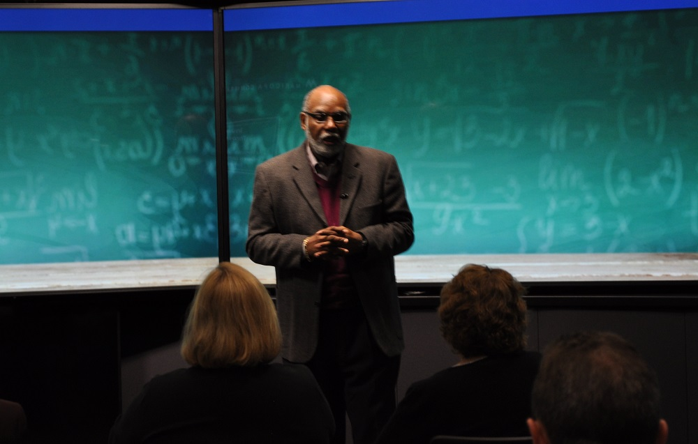 Dr. Rufus Glasper And Dr. Carrie Kisker Show How A Combination Of The Investment Strategies Will Help Prepare Maricopa County's Projected 2025 Workforce Needs In Six Key Fields During A Presentation At ASU's Decision Theater On Feb. 3, 2016. Photo By Lisa Irish/AZEdNews