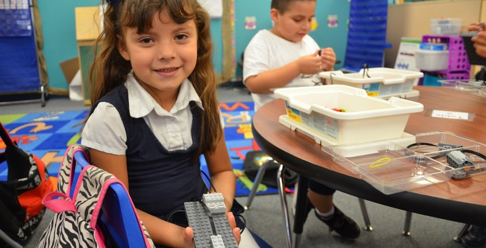 Students In The Little Scholars After-school Program At Isaac School District In Phoenix Build Robots. Photo Courtesy Of Isaac School District