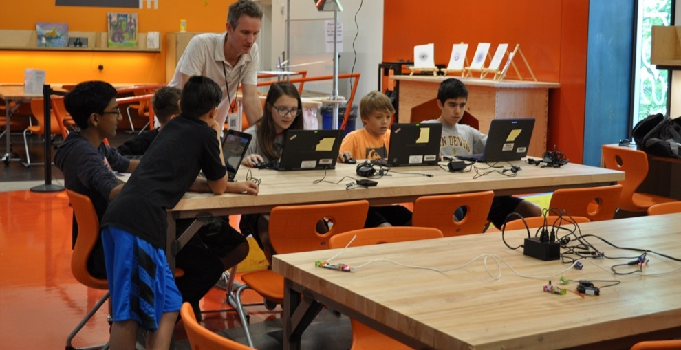 Middle School Students In Kyrene Community Education's Minecraft CREATE Cohort Make LittleBits Circuits Light Up, Make Noise And Move Through Actions They Take In The Videogame Minecraft At CREATE At Arizona Science Center On Saturday, May 7, 2016. Photos By Lisa Irish/AZEdNews