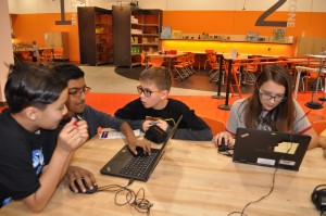 APS Foundation gives AZ Science Center a grant for STEM in rural schools KyreneStudentsMinecraft-300x199