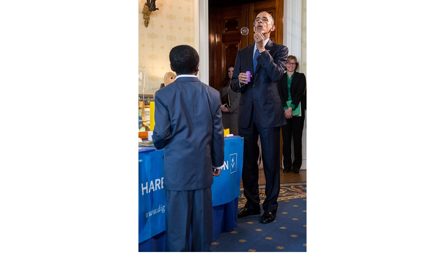 President Barack Obama Talks With Students About Their Science Projects As He Tours The White House Science Fair In The Blue Room Of The White House, April 13, 2016. (Official White House Photo By Pete Souza)