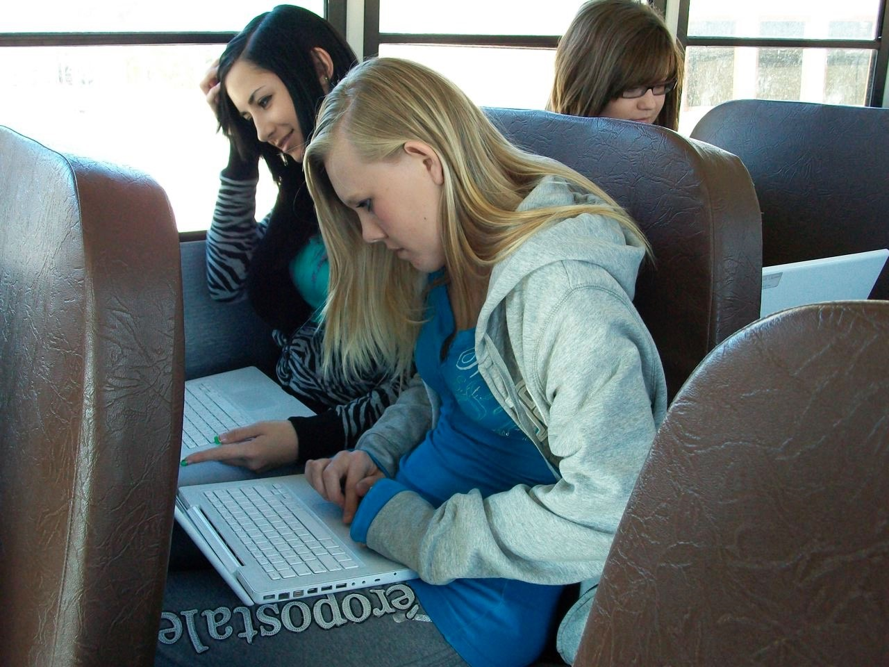 Arizona schools strive to bridge digital opportunity gap VailSchoolDistrictInternetBus1