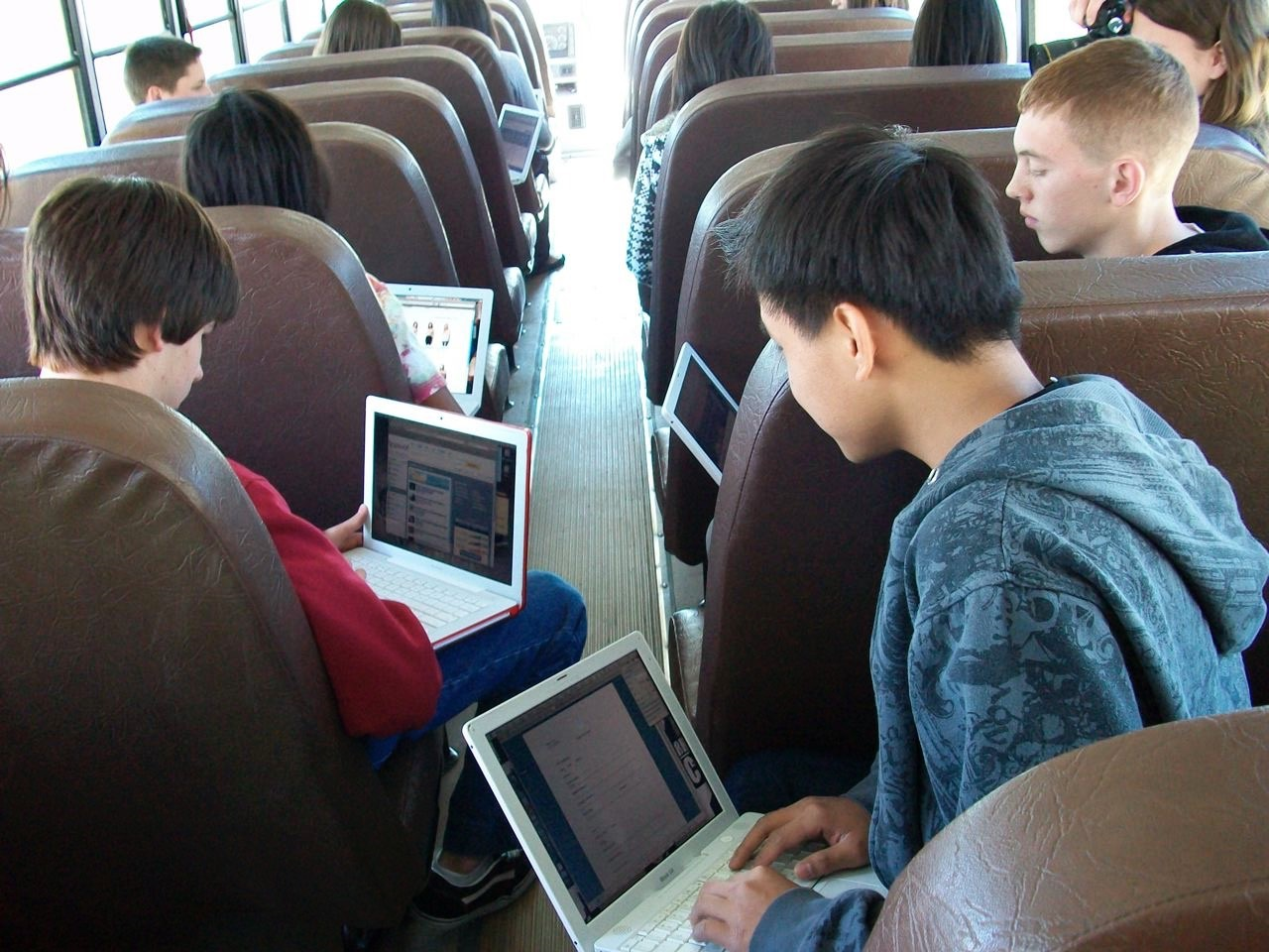 Arizona schools strive to bridge digital opportunity gap VailSchoolDistrictInternetBus3