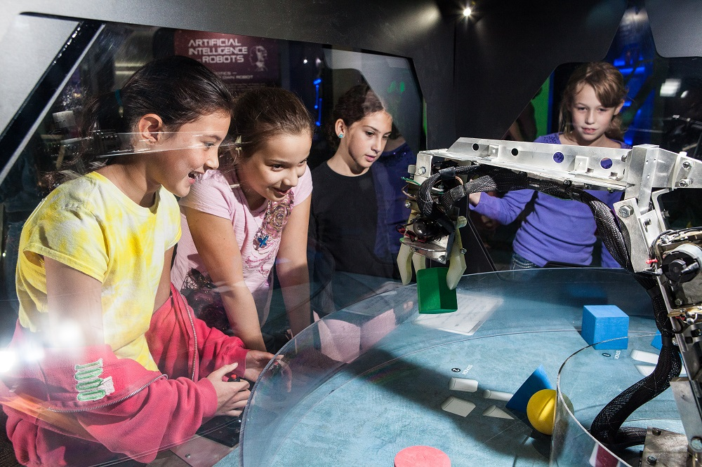 Alien Worlds and Androids Lands at Arizona Science Center this Fall RobotArm