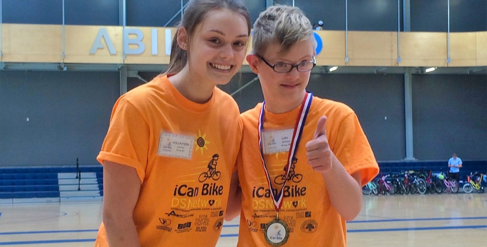 Mountain Pointe Student Lola Fox And Luke Williams Met Through The ICanBike Camps At Ability 360 Sports And Fitness Center In Phoenix. Photo Courtesy Tempe Union High School District
