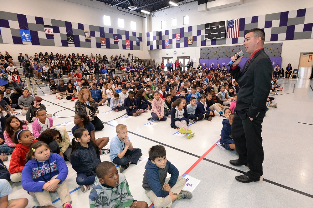 Exceptional AZ principal creates roadmap for others to follow Timothy-Thomas-acceptance-speech2