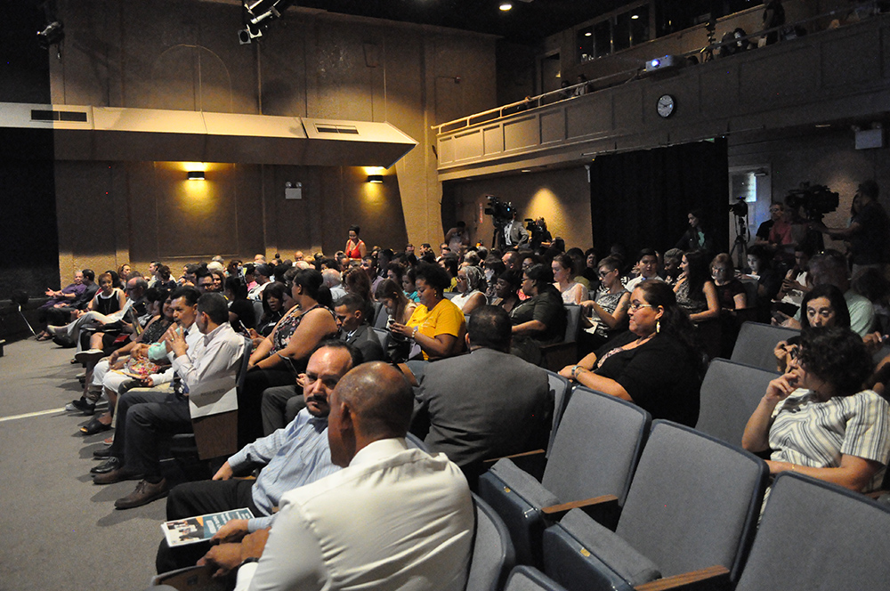 People attending the Demand2Learn launch on Aug. 9 at the Phoenix Center for the Arts. Photo by Lisa Irish/AZEdNews