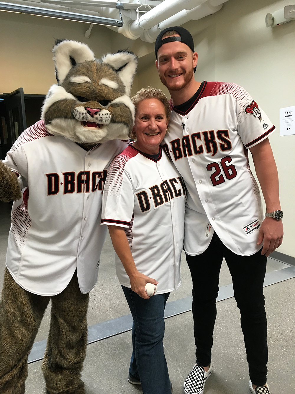Arizona Diamondbacks Pitcher Shelby Miller, Along With Baxter, Honor Mrs. Nancy Foote Of Sossaman Middle School As The 2017 Most Valuable Teacher. Photo Courtesy Higley Unified School District