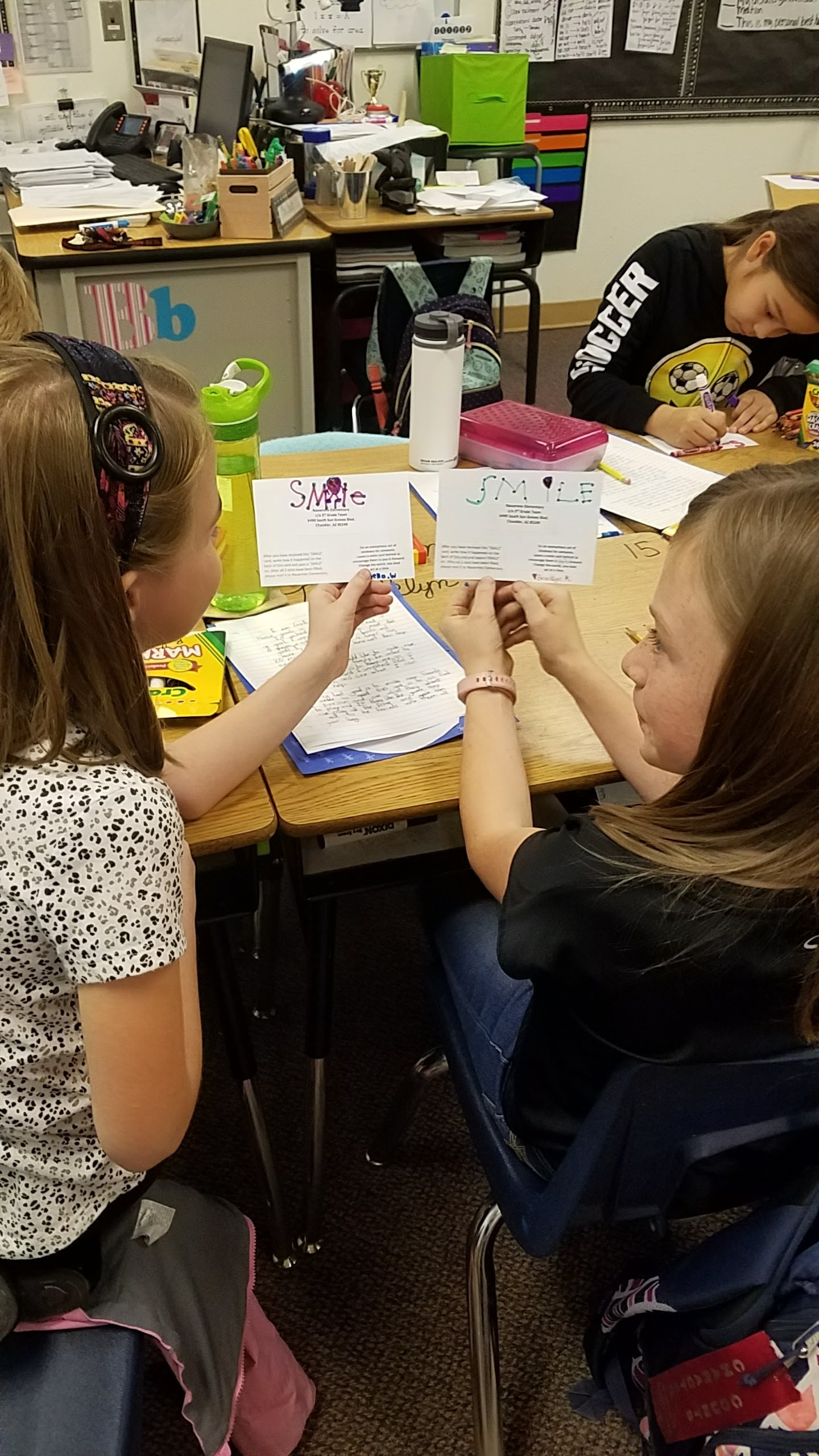 Navarrete Elementary third-graders spread kindness in the community making-smile-cards4