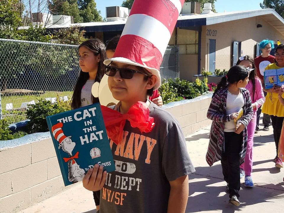 Students celebrate Read Across America Day 28467815_1626659440752978_261081716757752542_n
