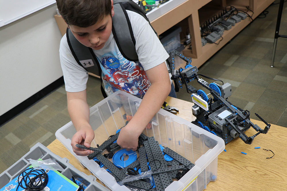 Tartesso Robotics Club leads the way for next generation of STEM professionals Tartesso-Robotics-1