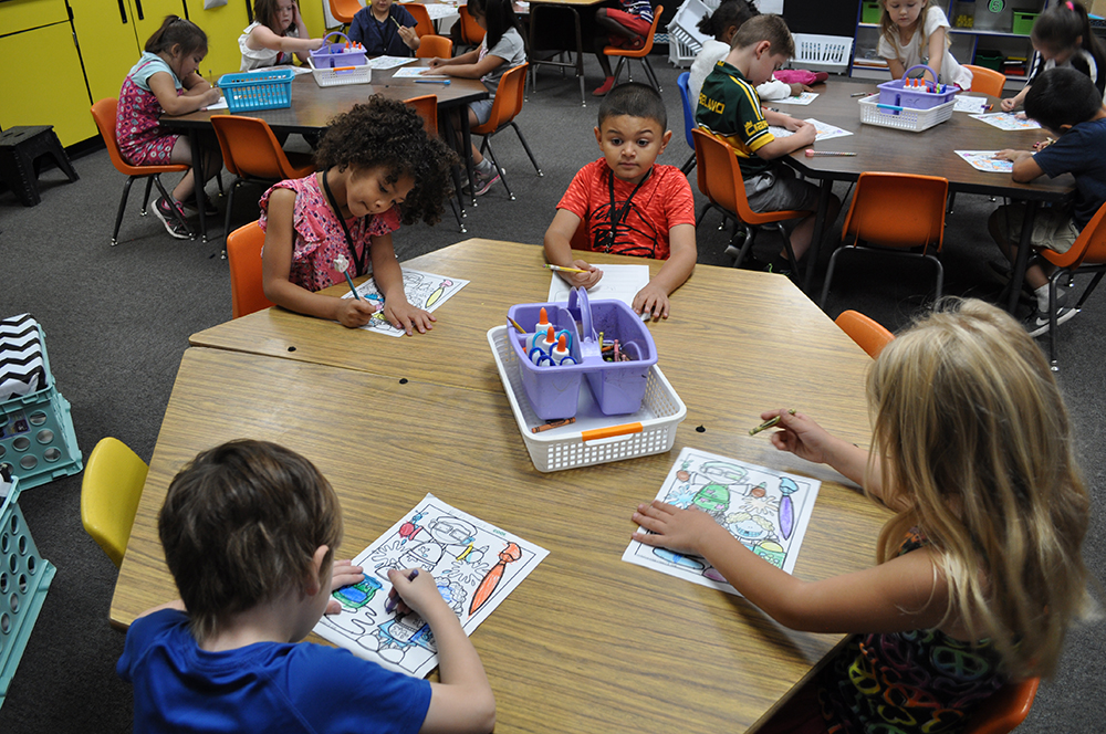 Students In Acacia Elementary School Kindergarten Teacher Taylor Trueblood's Class Works On An Assignment On May 21, 2018. Photo By Lisa Irish/AZEdNews