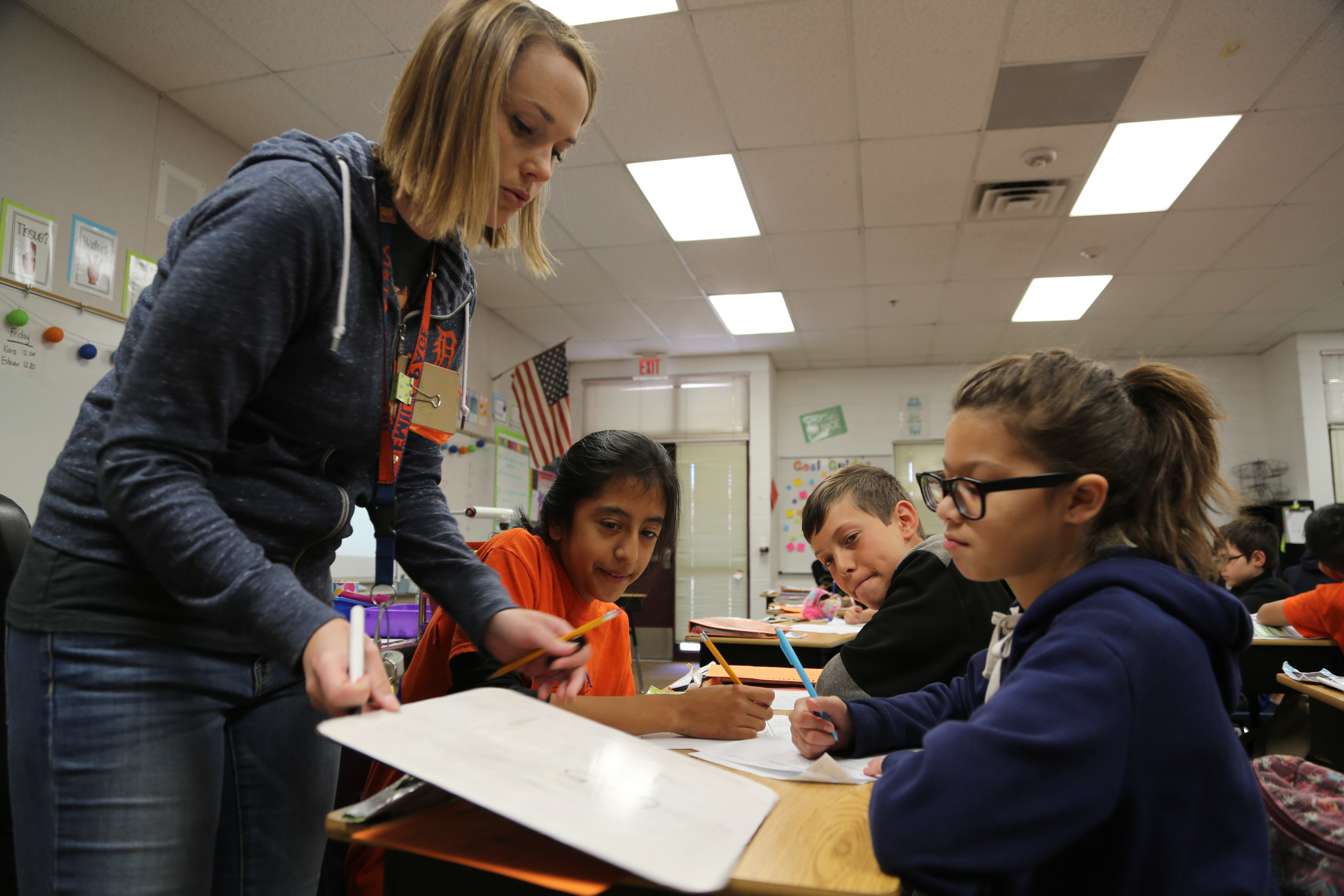 A Teacher Works With Students At Del Vista Sur Accelerated Academy. Photo By Brooke Razo
