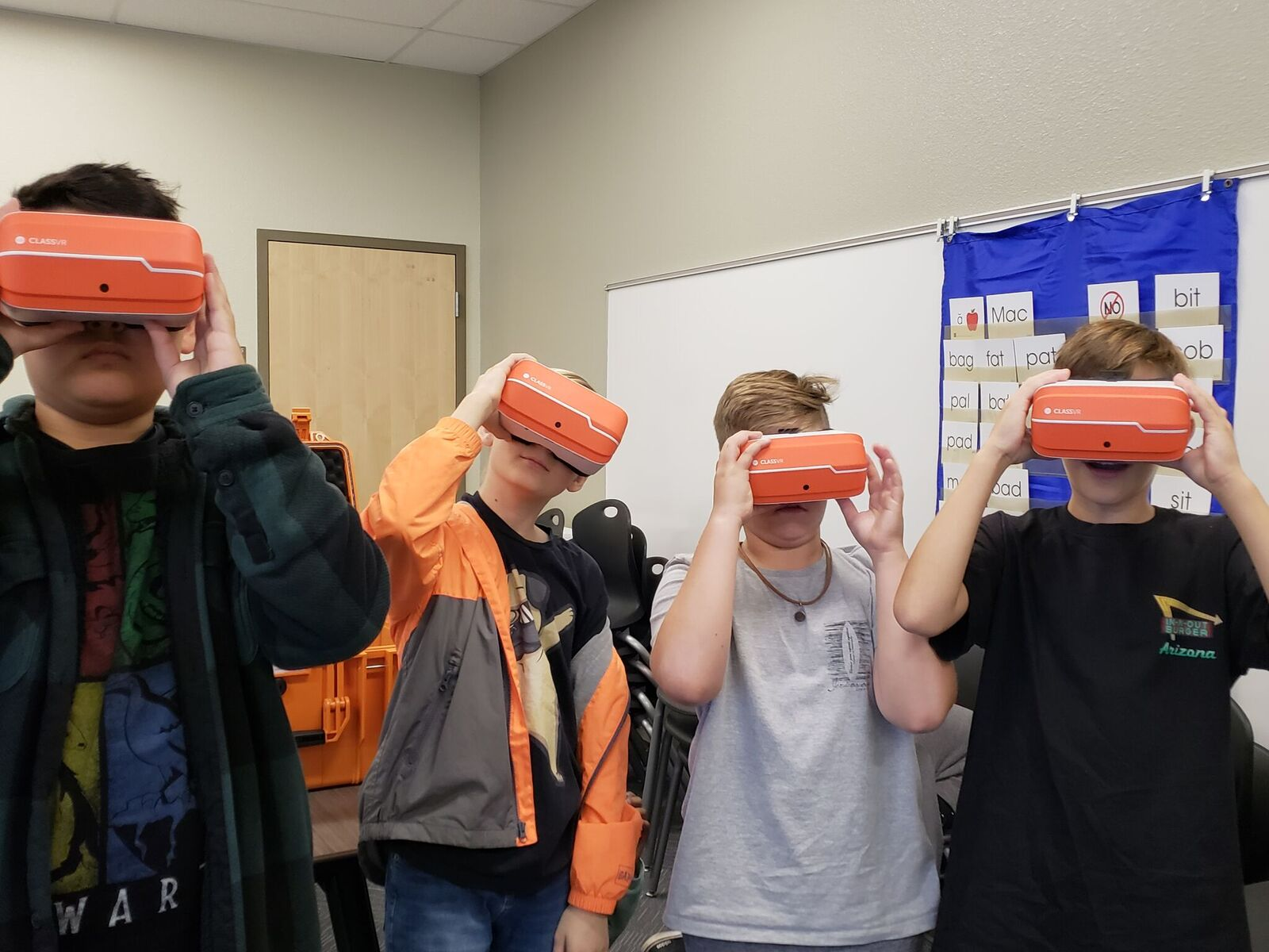 "Students At Bridges Elementary School, A Higley Unified School District Campus In Gilbert, Can Now ""travel"" Around The Globe, ""see"" Inside The Human Body And Create Models Of Their Own Thanks To Virtual Reality Glasses On Campus. Photo Courtesy Quintin Bingham/ Higley Unified School District"