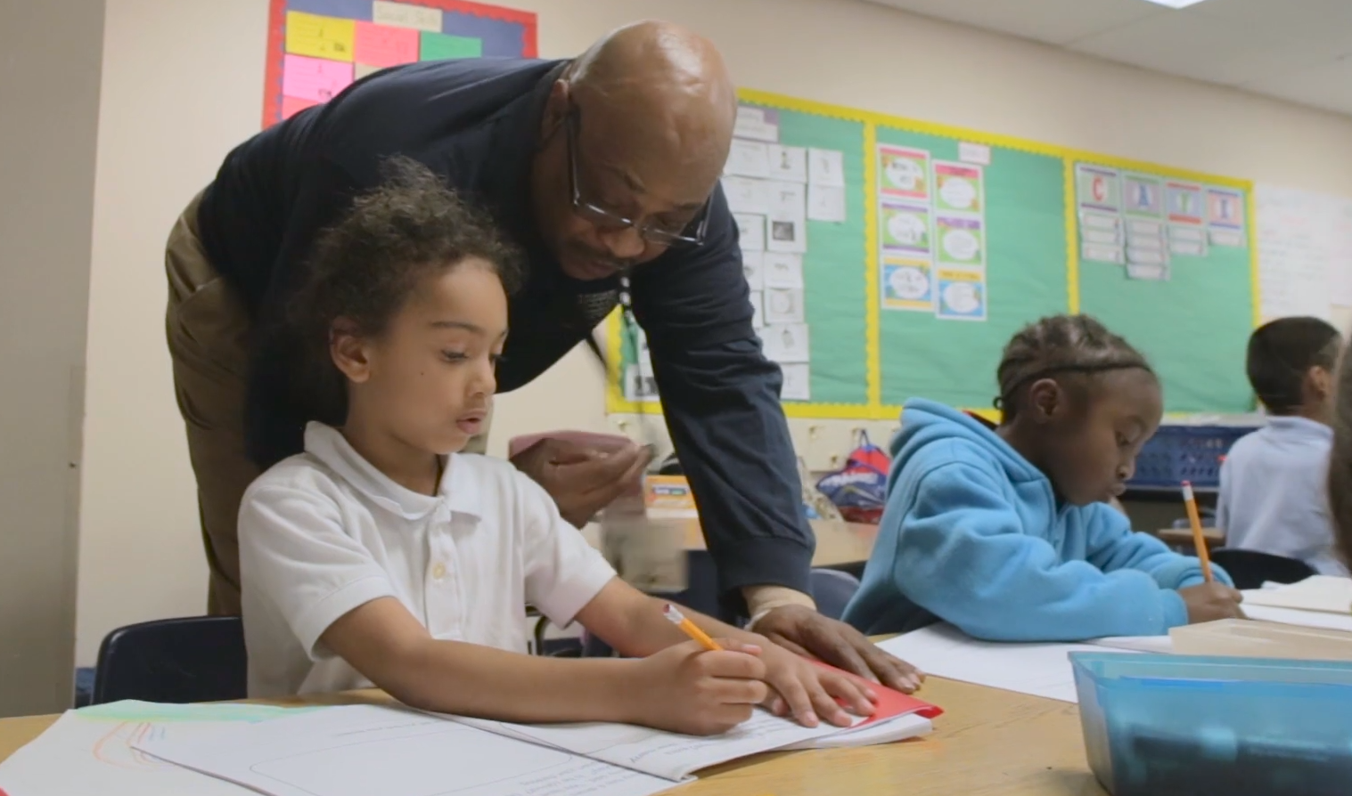 As Part Of Northern Arizona's Foster Grandparent Program, Fred Smith, A Former Police Captain, Volunteers And Helps Students In A Classroom In Glendale, Arizona. Photo Courtesy Northern Arizona Universities Foster Grandparent Program