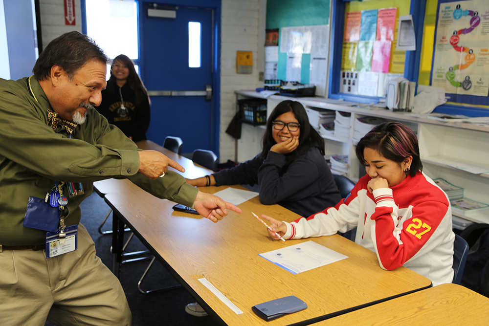 A Teacher Interacts With Students During Class In A Sacaton Elementary School District. Photo By Brooke Razo/ASBA