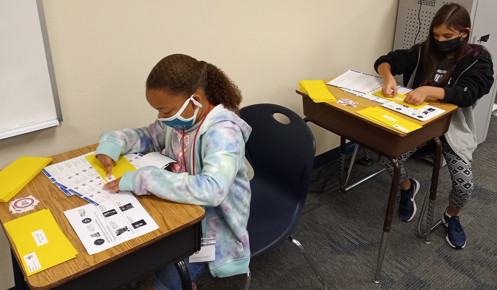 Kyrene De La Colina Students Prepare Mail-in Ballots For Their School-wide Mail-in Elections For President And Arizona Senator. Photo Courtesy Kyrene School District