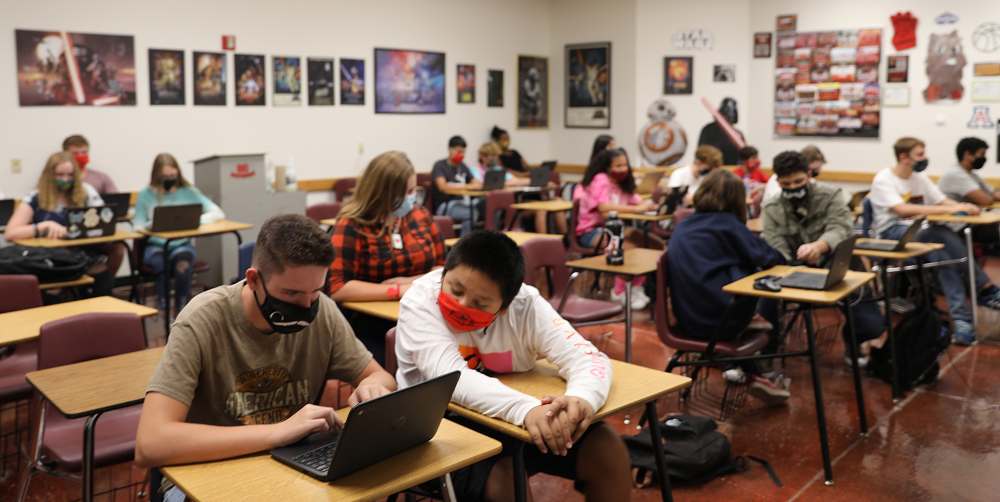 Students In David Silvas' Class At Florence High School Work Together In Class. Photo Courtesy Florence Unified School District