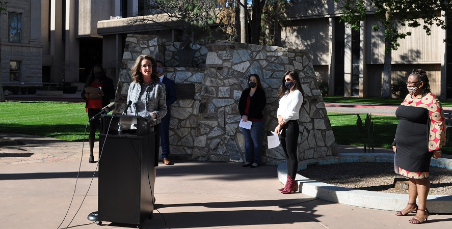 Arizona School Boards Association President Ann O'Brien Speaks At A Press Conference Urging Lawmakers To Vote Against Senate Bill 1452, Which Would Expand Voucher Eligibility To Nearly 70 Percent Of Arizona Public School Students At The Capitol In Phoenix On Feb. 18, 2021. Photo By Lisa Irish/AZEdNews