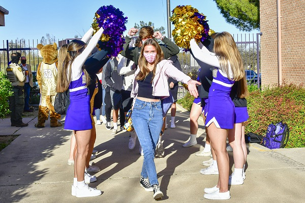 How COVID-19 vaccinations for ages 16 and up could affect AZ high schools 600-Tucson-Unified-Students-welcomed-back-on-campus