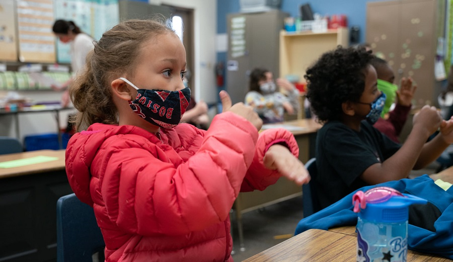 Students From Mrs. Sears Second-grade Class At Copperwood Elementary Signing The Pledge Of Allegiance. Photo Courtesy Peoria Unified School District
