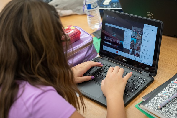 How new laws affect online instruction A-600-Kingswood-Elementary-Students-on-the-first-day-of-virtual-learning-in-Dysart-USD